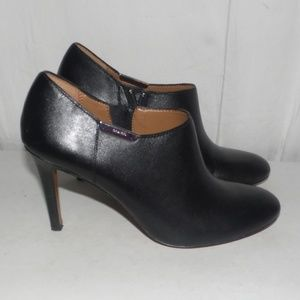 Coach Seneca Glazed Leather Black Ankle Boots 6.5
